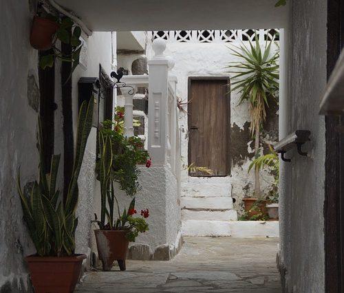 courtyard-2465737_640